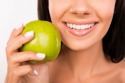 Visit The Best Dentist In Town For Improving Your Lifelong Oral Health